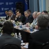 Глава региона обсудил с предпринимателями области новые возможности поддержки бизнеса